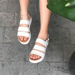 UGG Braelynn Platform Sandal